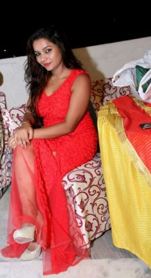 Komal Chandana A sweet, sensual and soft top profileAhmedaba Escorts, with fantastic feminine curves, a unique combination of karisma, elegance, beauty, intellect and sophistication! independent escort girl in Ahmedabad. http://komal.biz/